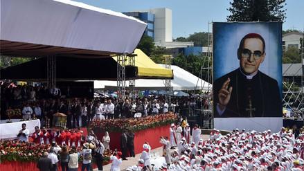 El Papa hará santo a monseñor Romero, religioso que fue asesinado mientras daba misa