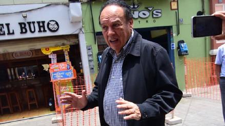 Luis Alva Castro reaparece en Trujillo y afirma no temer a investigaciones