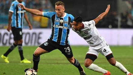 Barcelona y Gremio llegaron a un acuerdo para fichar a Arthur