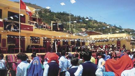 Padres de la I.E. del caserío Casa Quemada de Kañaris reclaman profesores bilingües