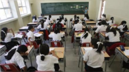 Más de 460 mil escolares vuelven a las aulas en el sector público