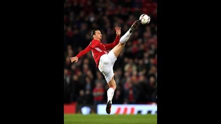 1. Paul Pogba  Calza 42 a pesar de su 1.91 metros de estatura. 2. Zlatan  Ibrahimovic  Calza 45.5 0bd6b41f8e400