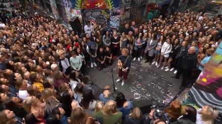 Ed Sheeran sorprendió a sus seguidores con concierto gratuito en Australia