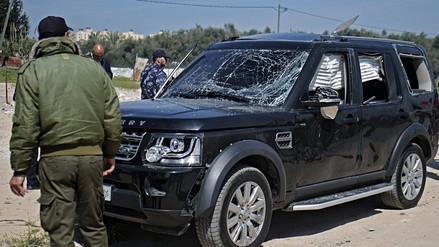 El convoy que trasladaba al primer ministro de Palestina fue atacado con un explosivo