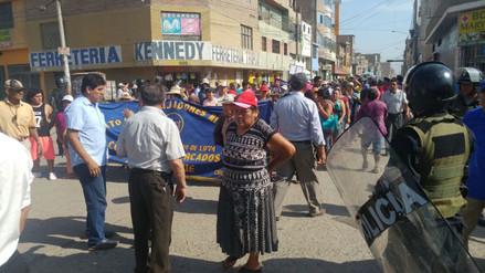 Comerciantes paralizan labores en mercado Moshoqueque