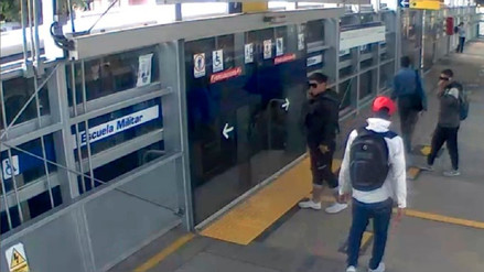 Tres delincuentes armados asaltaron a pasajeros en un bus del Metropolitano