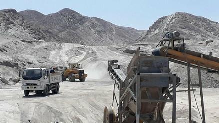 Intervienen mina informal por contaminación en La Joya