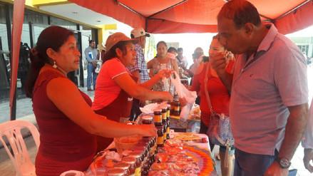 Piuranos celebraron Día de la Algarrobina con feria de productos