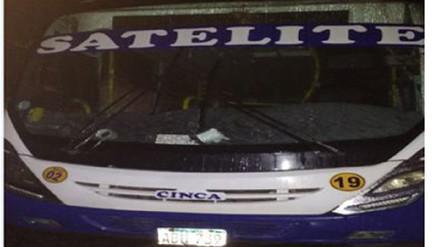Cobradora muere tras caer de bus de transporte público