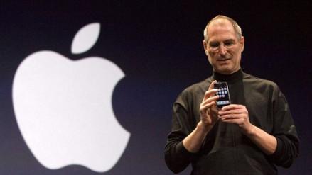 Pagan $174.000 por una solicitud de empleo de Steve Jobs con faltas ortográficas
