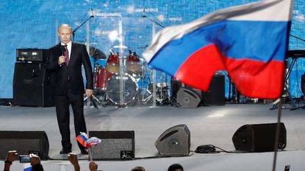 Rusia vota en unas elecciones presidenciales con Vladímir Putin como amplio favorito
