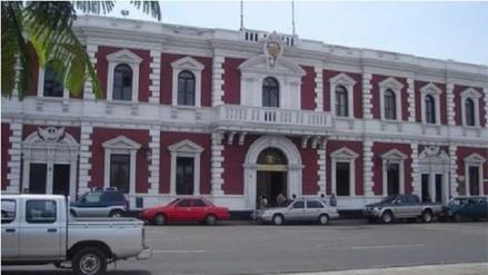 Denuncian que más de 540 funcionarios ediles cobraron bono ilegalmente