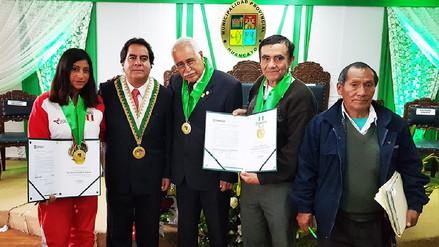 Reconocen a destacados huancaínos por aniversario como 'Ciudad Incontrastable'