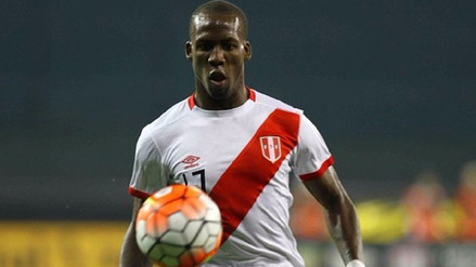 Luis Advíncula es el futbolista más rápido del mundo, según estudio