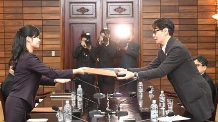 Las dos Coreas y EE.UU. celebran negociaciones trilaterales en Finlandia