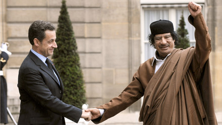 Sarkozy atribuye a una venganza del clan Gadafi las acusaciones en su contra