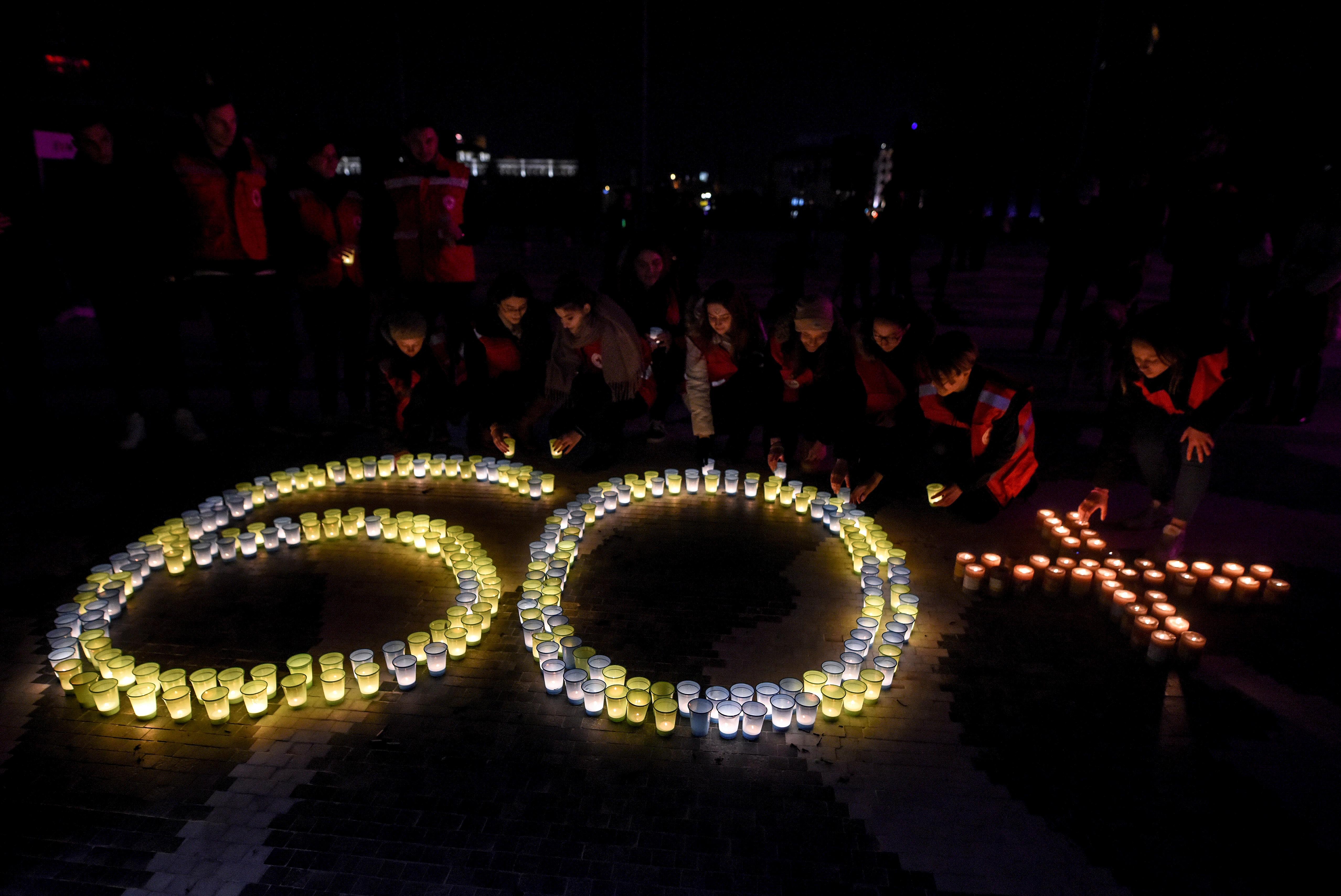 Las principales ciudades del mundo participaron en 'La Hora del Planeta'