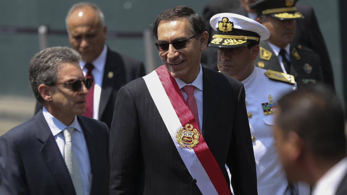 Chile, Colombia y la OEA se sumaron a saludos para Martín Vizcarra tras juramentación