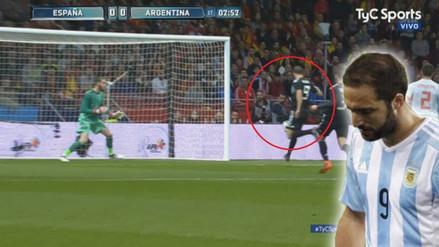 El insólito gol que falló Higuaín abajo del arco ante España