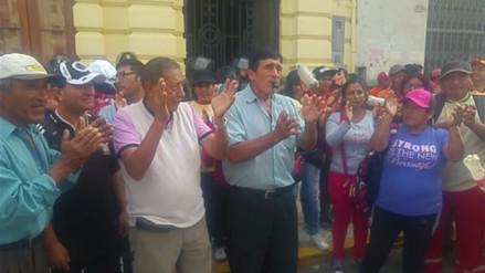 Obreros municipales de Chiclayo paralizaron labores por pagos atrasados