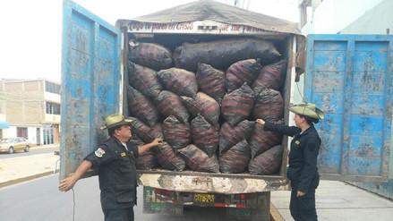 Policía de Chiclayo decomisó más de cinco toneladas de carbón de algarrobo