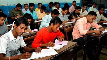 India | Millones de estudiantes volverán a dar un examen tras la filtración de temas en WhatsApp