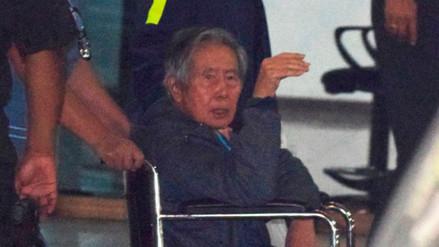 Alberto Fujimori continuará internado en clínica por un día más