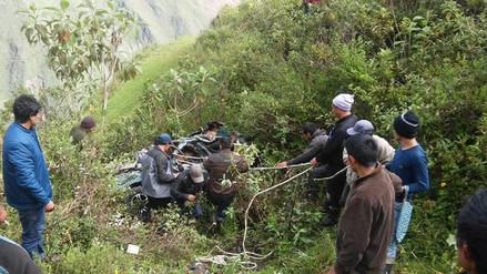 Un auto cayó a un abismo y cinco personas de una familia murieron en Áncash