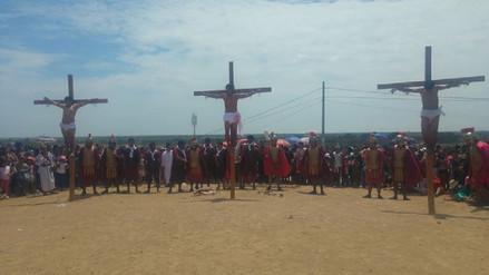 Más de cinco mil turistas presenciaron crucifixión de Jesús en cerro de Reque
