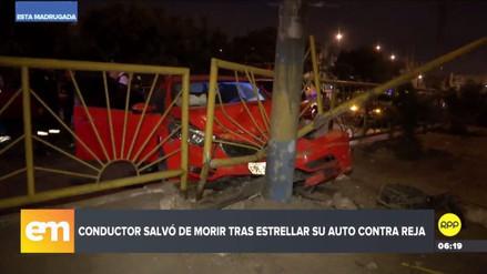 Un automóvil fuera de control chocó contra un patrullero en San Luis