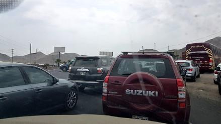 Congestión vehicular en la Panamericana Sur tras accidente que dejó un muerto