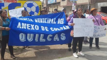 Padres de centro educativo de Quilcas protestaron por racionamiento de docente