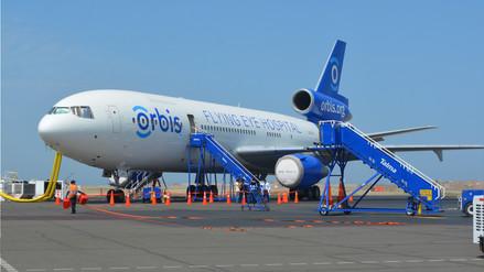 Avión hospital oftalmológico de Orbis llega a Trujillo por sexta vez