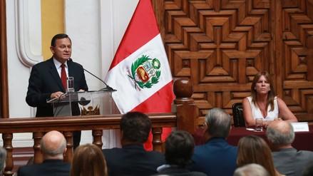 Néstor Popolizio fue presentado oficialmente como nuevo canciller