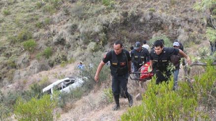 Cuatro muertos dejó caída de camioneta a un abismo en la carretera Pativilca - Huaraz