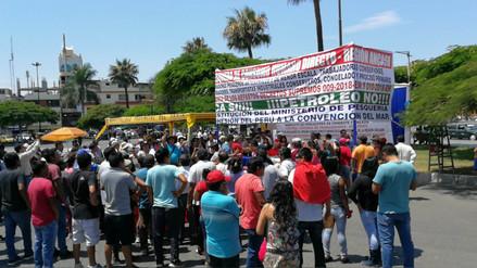 Chimbote: con platos de ceviche población rechaza exploración petrolera