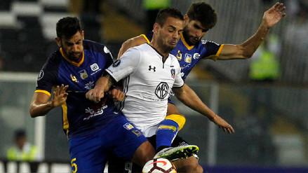 Colo Colo cayó ante Delfín y empezó a despedirse de la Copa Libertadores