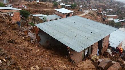 Institución educativa de Chota se desploma por intensas lluvias