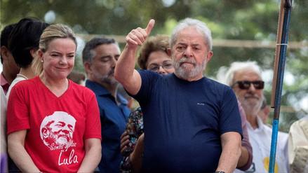 Lula da Silva anunció que se entregará a la Justicia de Brasil