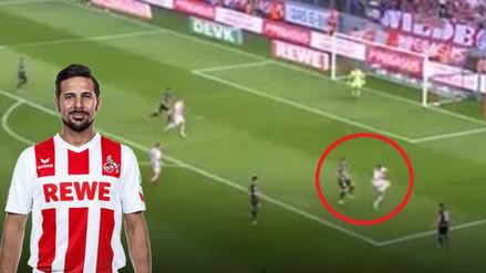 Claudio Pizarro se lució con un genial pase de taco en el empate de Colonia
