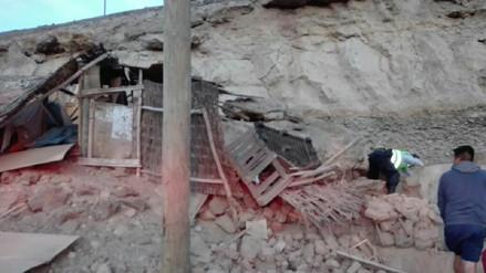Damnificados por sismo de 7.1 grados duermen en carpas en Caravelí