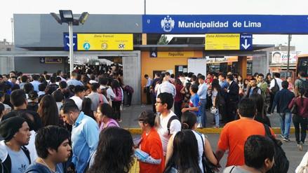 Metropolitano | Usuarios reportan largas colas en la estación Naranjal