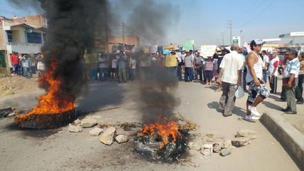 Pobladores protestan para exigir se ejecute proyecto de saneamiento