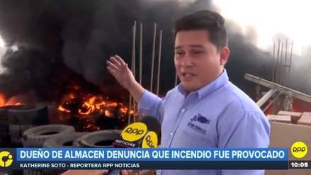 El representante del depósito de llantas dijo que el incendio fue provocado