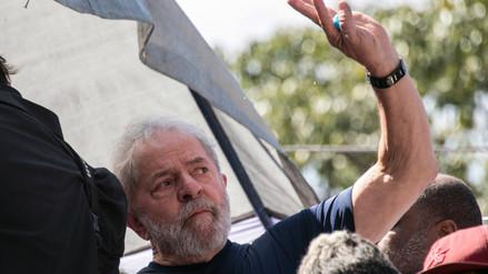 Lula da Silva recibió primera visita de su familia en prisión
