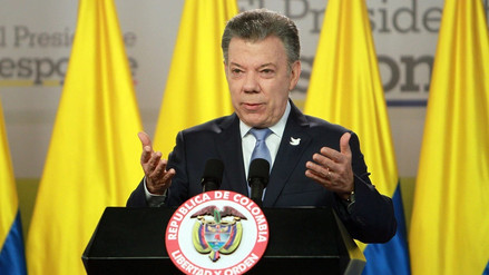 Santos llegó a Lima y se solidarizó con familiares de periodistas secuestrados en Ecuador