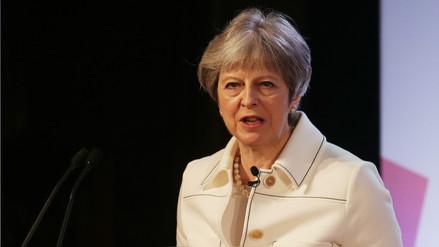 """May dijo ante el Parlamento británico que el ataque a Siria fue """"legalmente correcto"""