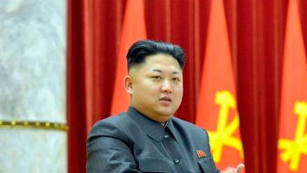 Kim Jong-un busca consolidar lazos con Pekín tras asistir a presentación de artistas chinos