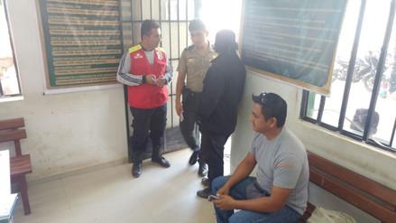 Bomberos auxilian a periodista que fue víctima de la delincuencia
