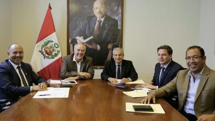 César Villanueva se reunió con congresistas de Acción Popular